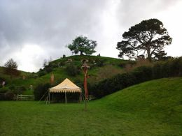 Photo of   Hobbiton village 3910GS39OH_GS39H.jpg