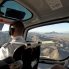 Foto de Las Vegas Passeio espetacular de helicóptero no Grand Canyon, 4 em 1 Helicopter pilot and view through the side door