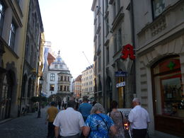 walking to Hofbrauhaus, Irene - August 2015