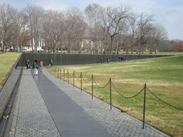 Vietnam Veterans Memorial, Lizzie G - December 2008