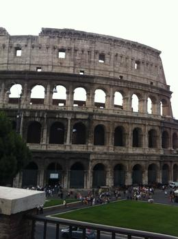 Photo of Rome Skip the Line: Ancient Rome and Colosseum Half-Day Walking Tour 001