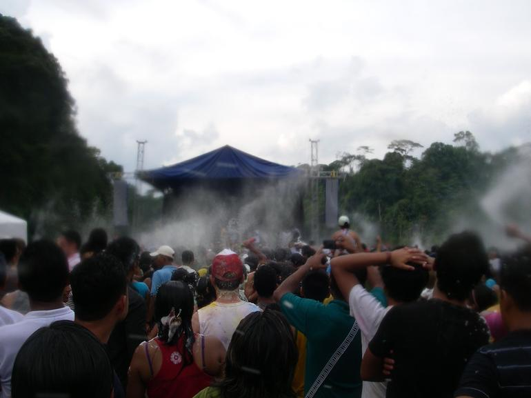 Foam spraying - Quito
