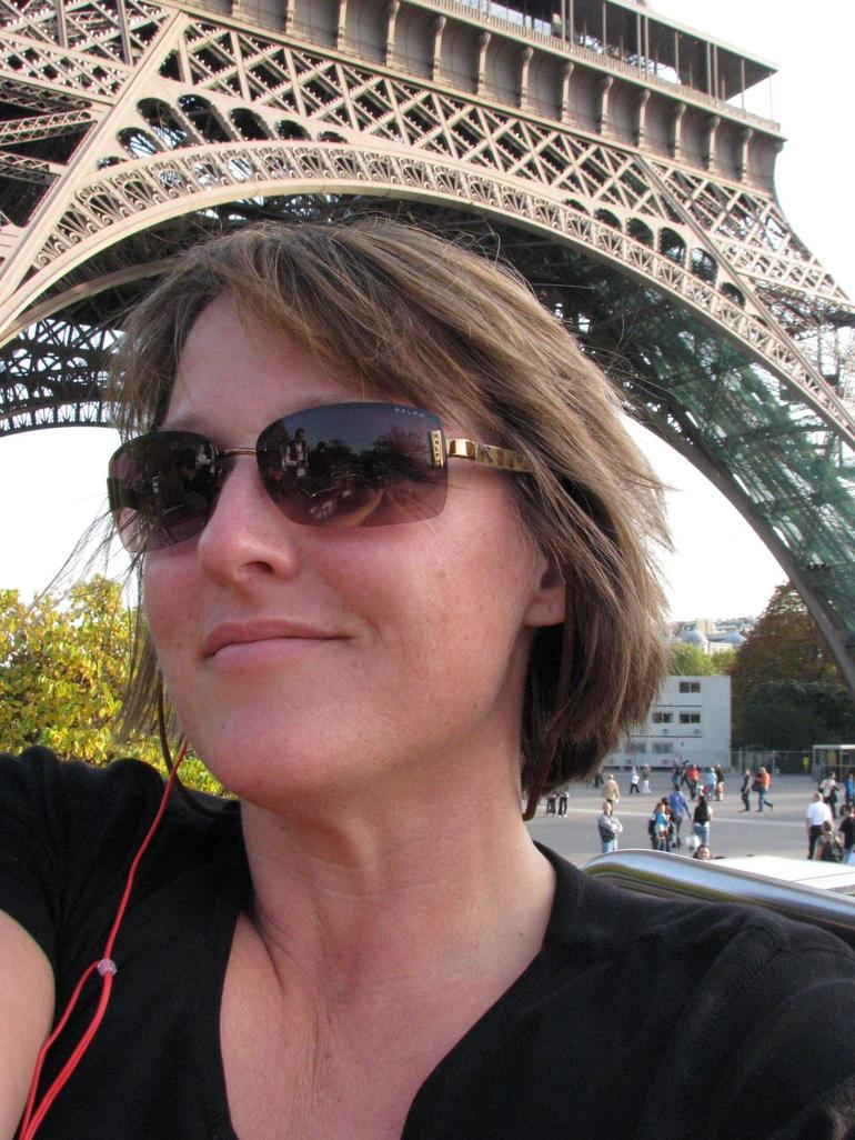 Kay by the Eifel tower - Paris