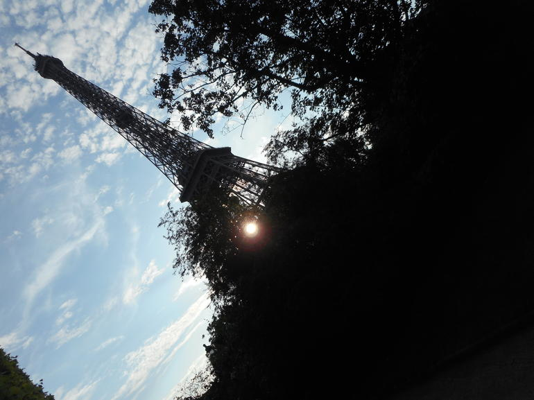 The Eiffel at sunset. - Paris
