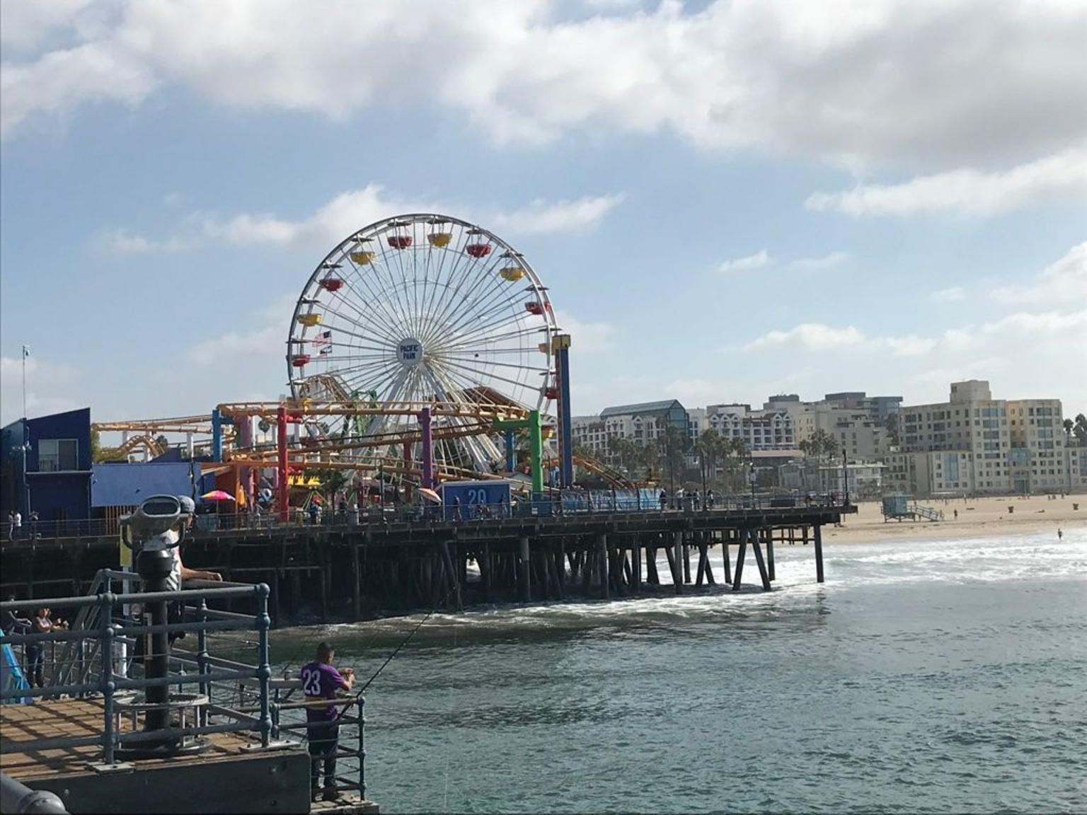 Secrets of LA: Celebrities, History and Highlights Small Group Day Tour