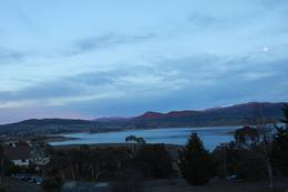 Another shot of Lake Jindabyne. It might be too cold to stand out there to enjoy the view for some of us., Jason Wuen Jin D - August 2009