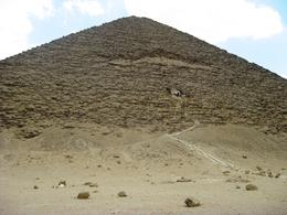 A closer view of the red pyramid, Juan Jose G - May 2010