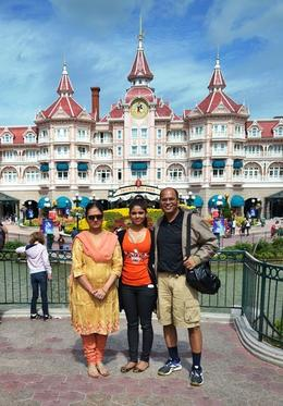 Family photograph...Shikha, Latika with me at the entry of Disney Land. A full day of fun including shows. Memorable day and with yet another perfect sunshine day. , Vijay - August 2012