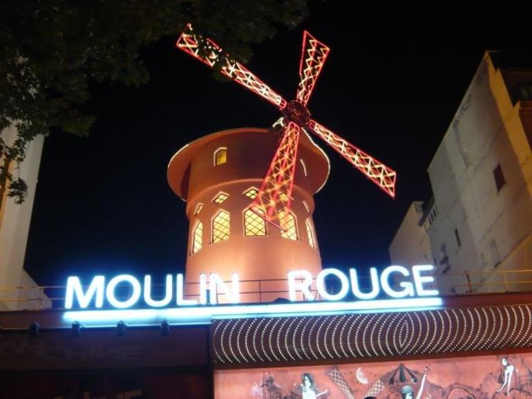 Great show at the Moulin Rouge, no pics from inside allowed.