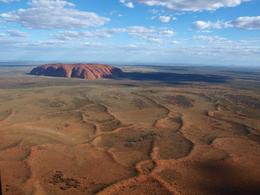 Uluru from the air - late afternoon March 2010, Jonathan F - April 2010