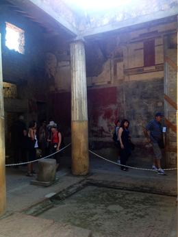 This is an example of one of the homes discovered at Pompeii. , Anny H - September 2014