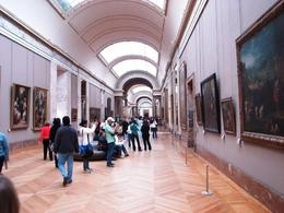 One of the many halls in the Louvre., Ralph P - October 2007