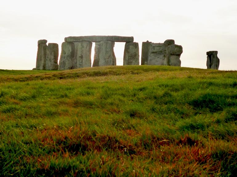 UK_Stonehenge_4 - London