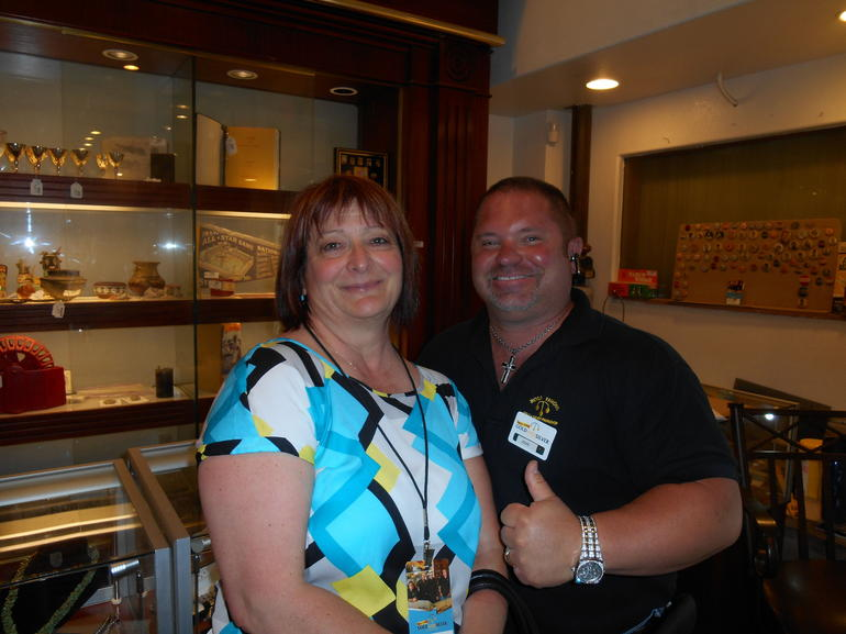 Tourist and security staff - Las Vegas