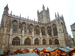A Christmas market surrounds the landmark abbey at Bath, Benjamin C - December 2010