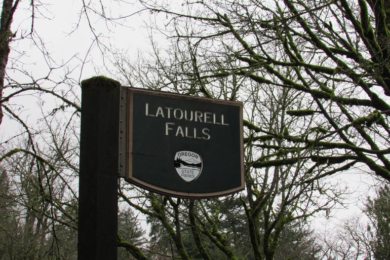 Morning Half-Day Multnomah Falls and Columbia River Gorge Waterfalls Tour from Portland photo 8