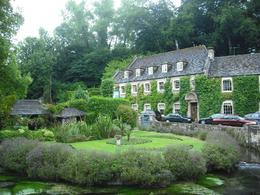 Photo of London Lunch in the Cotswolds from London Quaint ivy covered houses