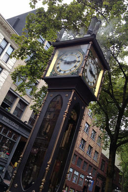 Gastown Steam Clock, Jules & Brock - July 2012