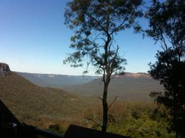 Photo of Sydney Blue Mountains Day Trip and River Cruise Overlooking the Blue Mountains