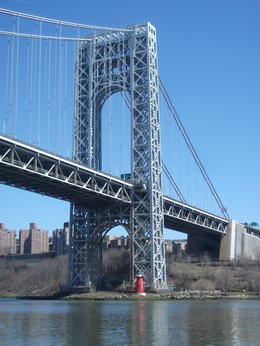 Photo of New York City Circle Line: Complete Manhattan Island Cruise The little red lighthouse and the big grey bridge