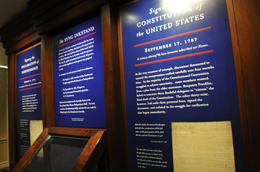 Here you will see the Declaration of Independence (July 4, 1776); Treaty of Paris (1783) and the Constitution of the United States (September 17, 1787); , sancfab - April 2011