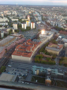 Photo of Berlin Skip the Line: Dinner atop the Berlin TV Tower Foto fra restaurent