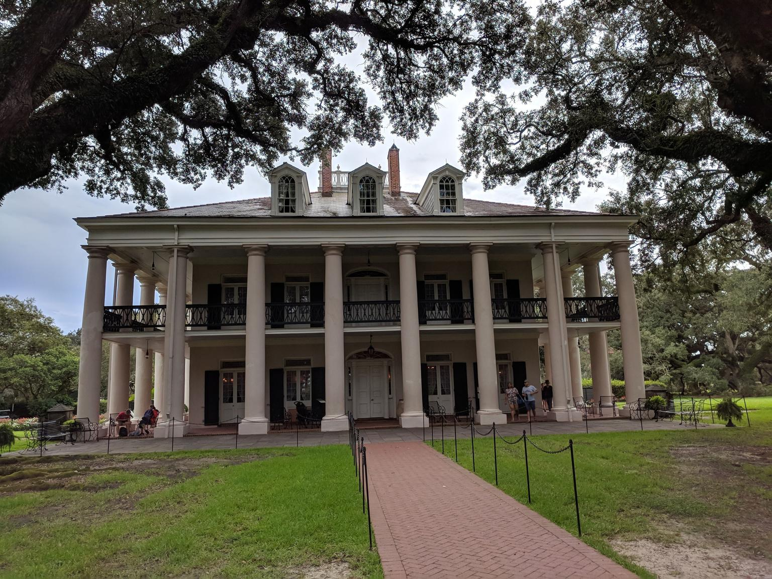Double Plantation Tour in New Orleans
