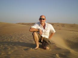 Photo of Dubai 4x4 Dubai Desert Safari Steve Chapman at the top of the dunes