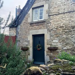 cute house at Lacock , Elena K - February 2016