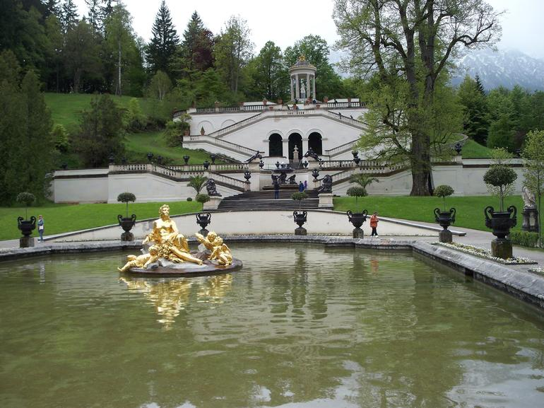 Linderhof fountain.. - Munich
