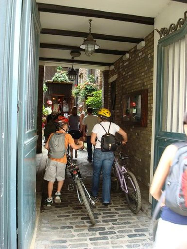 Taking our bikes inside a typical English pub! - London