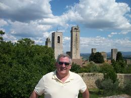 A stop at San Gimignano after lunch - November 2011