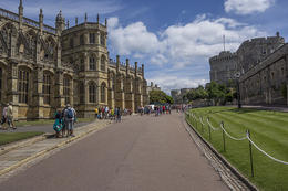 St George's Chapel to the left, where many royal weddings and burials have taken place, and the lodgings of the Military Knights to the right. , Richard W - July 2014