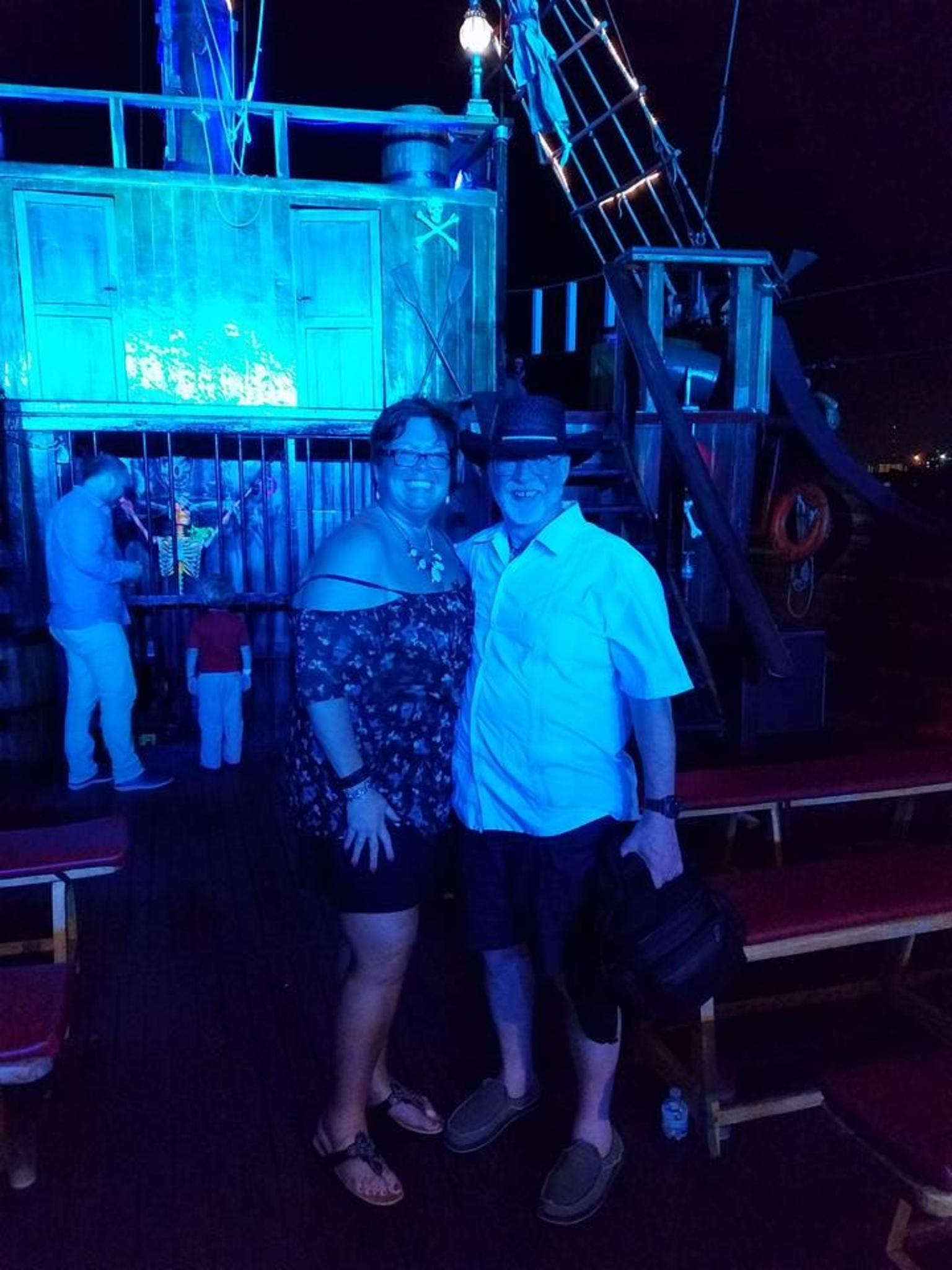 Jolly Roger Pirate Night Show and Dinner