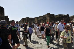 Photo of Rome Naples and Pompeii Day Trip from Rome Vía animada