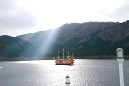 Photo of Tokyo Mt Fuji Day Trip including Lake Ashi Sightseeing Cruise from Tokyo Crusing in Lake Ashi