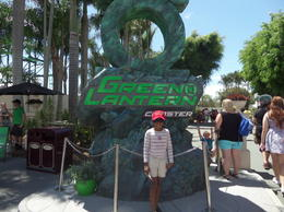 Photo of Gold Coast Gold Coast Theme Park Pass: Movie World, Sea World and Wet n Wild green lantern ride