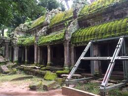 aka Tomb Raider Temple -- the less well-known parts , Shirls - October 2014