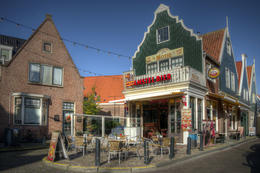 In Volendam, we were able to wander around for an hour or so before lunch. Volendam is a wonderful little town with so many quaint little shops and restaurants. There are so many photo ... , Stuart S - November 2014
