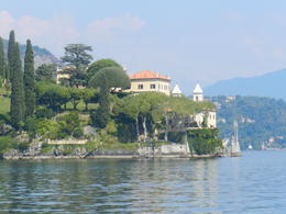 A lovely home bordering Lake Como , Amadeo P - October 2012