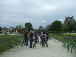 Just had lunch in the Jardin Tuileries and walking towards the Louvre, as there is no cycling allowed in the Jardin., Janet F - May 2009
