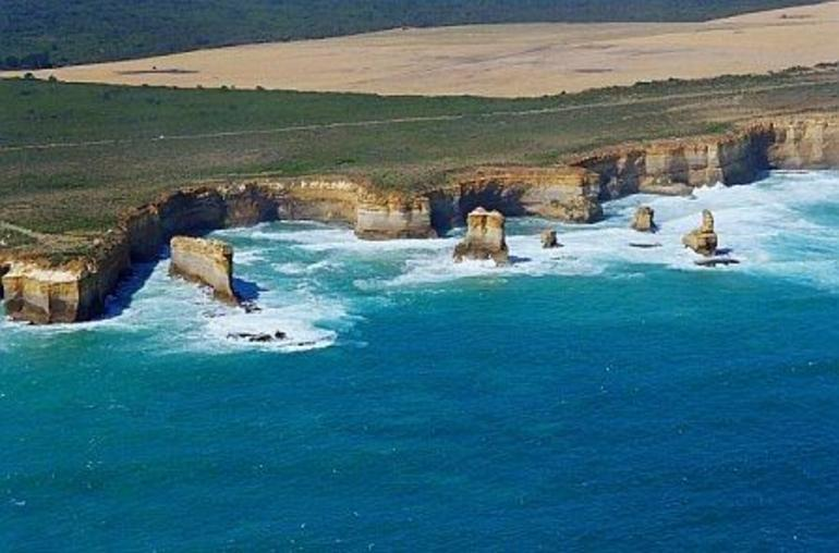 12 Apostles from the helicopter - Melbourne