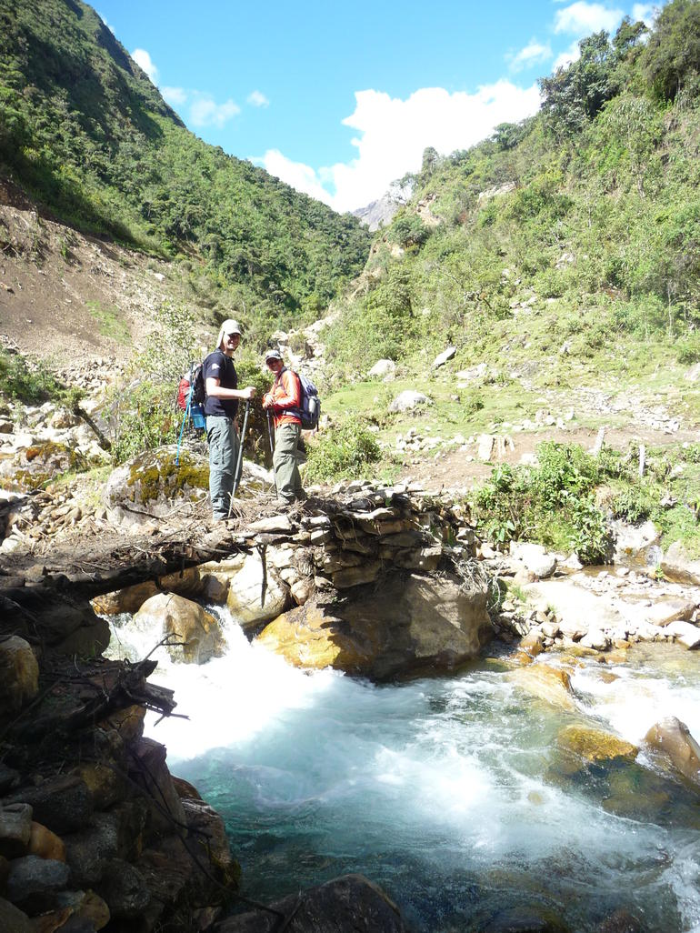 Makeshift bridge #2! - Cusco