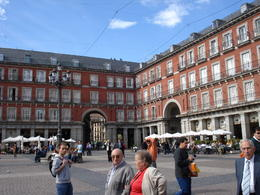 Plaza Mayor, Cat - January 2012