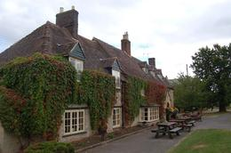 We had a fantastic meal in this picturesque pub., Janet S - October 2009