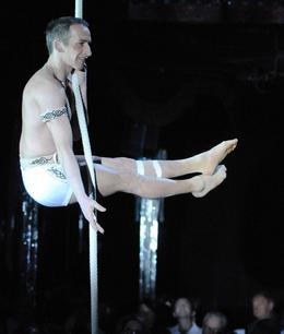 Photo of Paris Paris Paradis Latin Dinner and Show Acrobatics