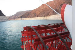 Photo of Las Vegas Lake Mead Dinner Cruise arrière du bateau