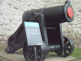Photo of London Tower of London Entrance Ticket Including Crown Jewels and Beefeater Tour Cannon Displays