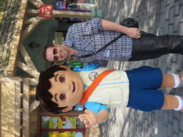 Me grabing a photo with Diago for my Nephew..he'd be pretty jelous! , Chris T - July 2011