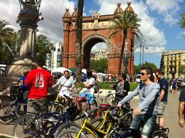 Photo of Barcelona Barcelona Half-Day Bike Tour Pit-stop